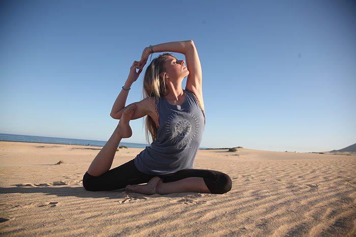 Johanna Acroyoga Instructor Fuerteventura